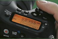 SONY Alpha 68 Kit (ILCA-68K) + Tasche + 16GB Speicherkarte Spiegelreflexkamera, 24.2 Megapixel, 18-55 mm Objektiv (DT, SAM), Schwarz